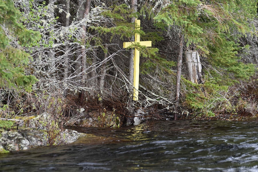 Cemetery flooded by « Clean energy » | Opposition to the NECEC | Quebec Hydro Clash